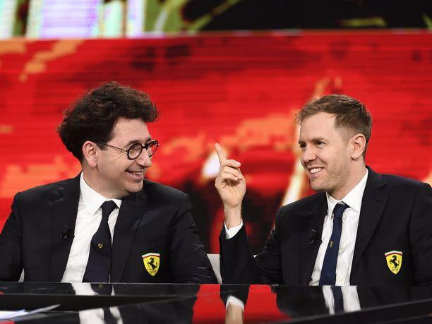 Mattia Binottolla (vas.) ja Sebastian Vettelillä olivat erilaiset tavoitteet.