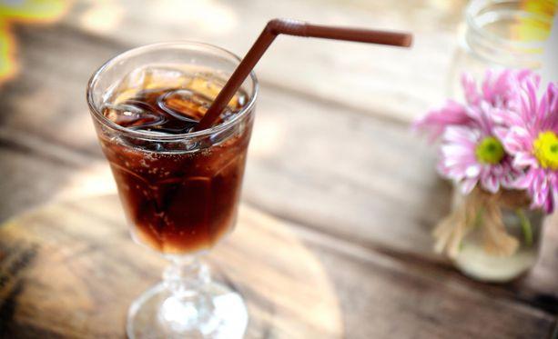 Dieettilimu saattaa olla alussa hyvä korvaaja sokerilimulle, mutta ainoa täysin terveellinen vaihtoehto on kuitenkin vesi.