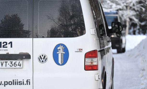 Poliisi on saamassa valmiiksi esitutkinnan Oulun yliopistollisen sairaalan raiskausjutussa. Kuvituskuva.