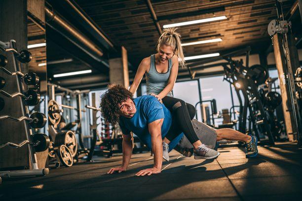 Puolisosta voi olla apua treenatessa - miksei myös näin.
