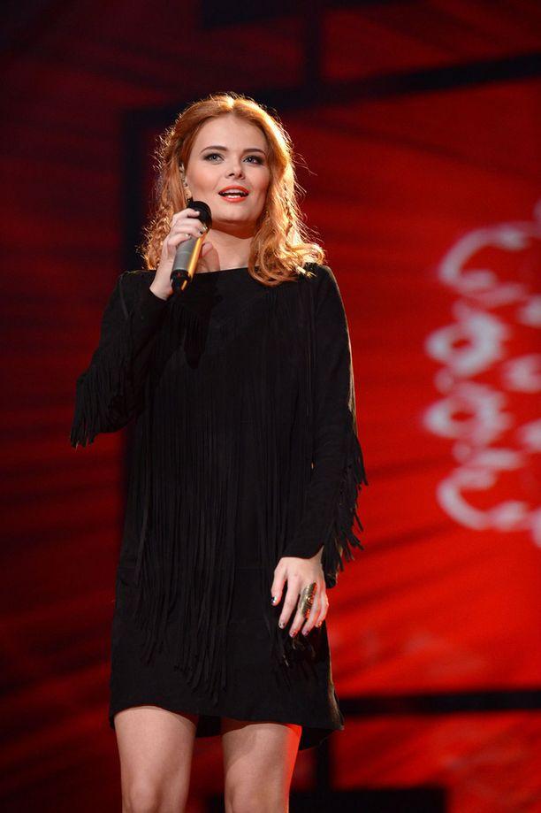 Erika vuonna 2013 Idolsin lavalla.