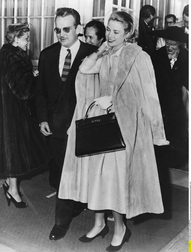 Grace Kelly kuulemma käytti Hermès-laukkua raskausmahansa peittelyyn odotusajan alkupuolella.