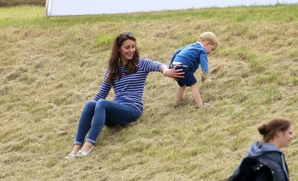Pian kaksi vuotta täyttävä George piti Katen kiireisenä.