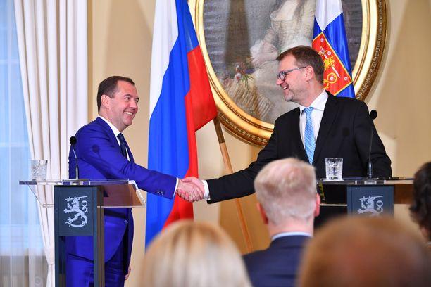 Dmitri Medvedev ja Juha Sipilä tiedotustilaisuudessa Smolnassa keskiviikkona.