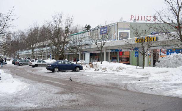 Puhoksen ostoskeskus sijaitsee aivan Itäkeskuksen ostoskeskus Itiksen vieressä.