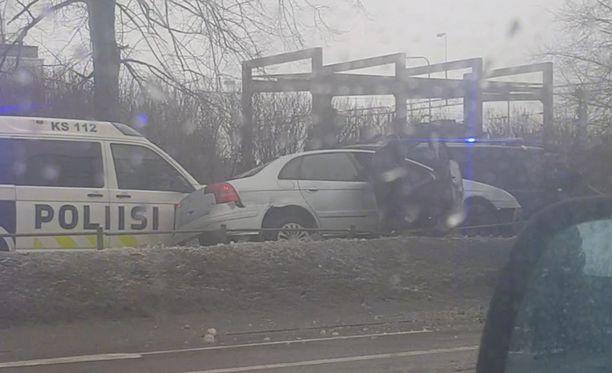 Sisä-Suomen poliisilla oli takaa-ajotilanne sunnuntaina iltapäivällä.
