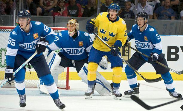 Rasmus Ristolainen (vas.) oli Suomen parhaimmistoa lauantaina.