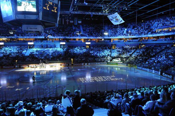 Jääkiekon MM-kisat 2012 ja 2013 tuottivat Suomelle yli 12 miljoonaa euroa voittoa, Ruotsille neljä miljoonaa tappiota.
