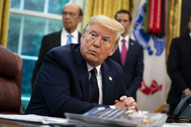 Presidentti Donald Trump vertaa some-yhtiöiden asemaa monopoliasemaksi.
