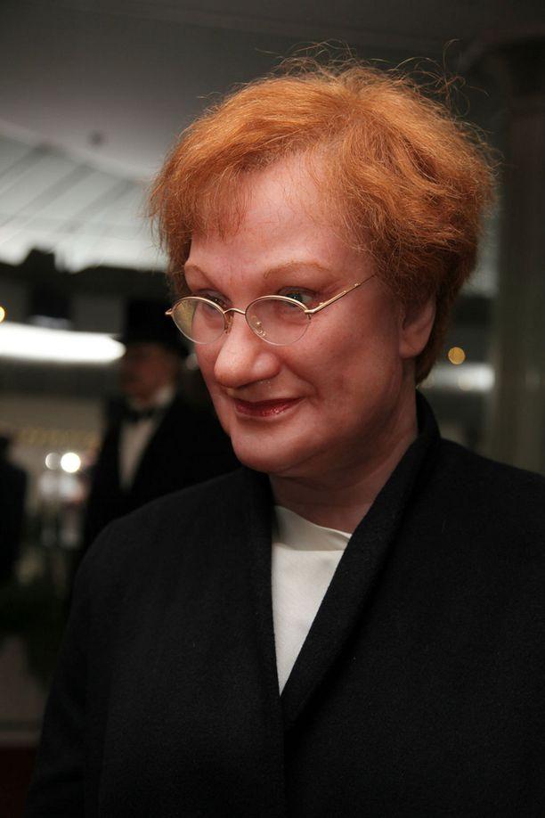 Tämä nainen on saanut Dmitri Medvedeviltä kissan lahjaksi.