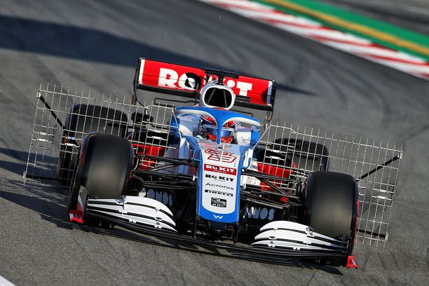 George Russell sai kunnian korkata vuoden 2020 F1-testikausi käynnistyneeksi.