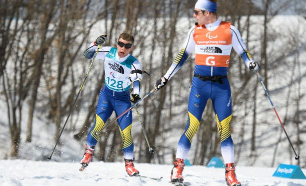 Zebastian Modin (vasemmalla) ei kuullut oppaansa Johannes Anderssonin ohjeita ennen törmäystä.
