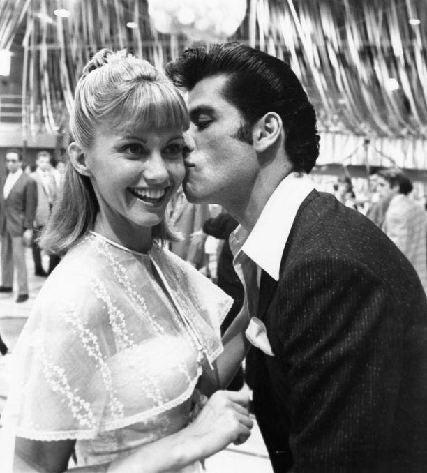 Olivia Newton-John ja John Travolta näyttelivät Greasessa rakastavaisten pääroolit.