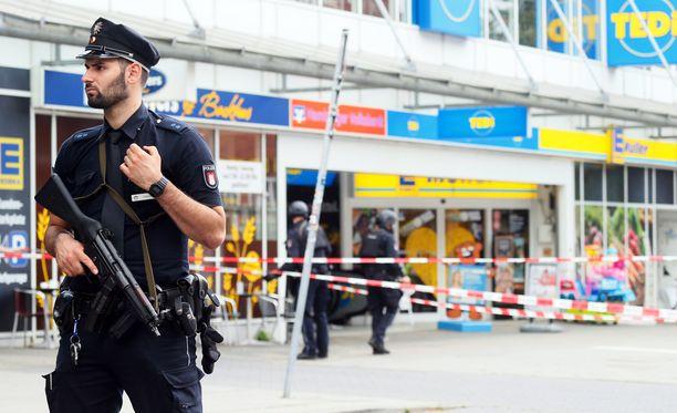 Hyökkäys tapahtui vilkkaalla ostosalueella Barmbekin kaupunginosassa.