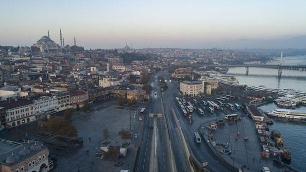 Turkin Istanbul varautuu suureen maanjäristykseen. Ilmakuva otettu joulukuun alussa.