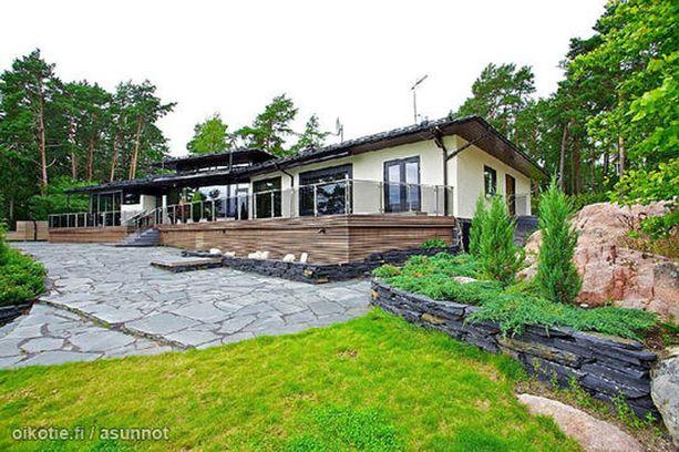Miikka Kiprusoffin hulppea merenrantatalo Turun Kakskerrassa irtoaa 2,1 miljoonalla eurolla.