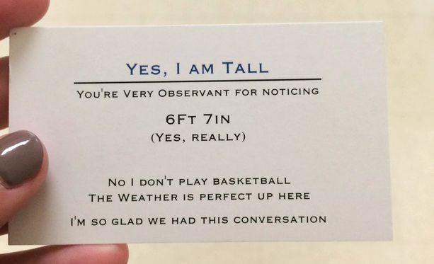 Tällaisen kortin Logan ojentaa hänen pituuttaan kyseleville tai siitä vitsaileville.
