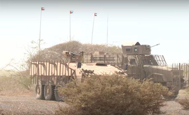 Arabiemiraattien uutistoimiston videolla näkyy Patrian valmistama miehistönkuljetusvaunu.