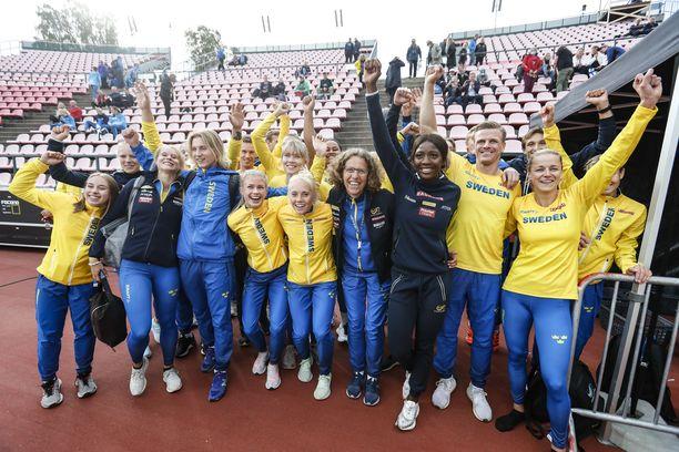 Ruotsi voitti sekä naisten että miesten maaottelun.