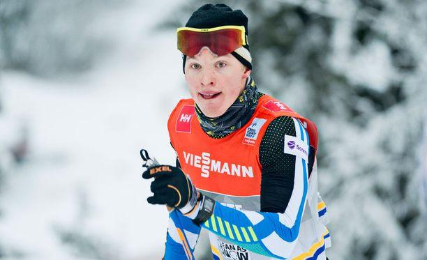 Iivo Niskanen hiihti 15 kilometrin kisan voittoon Rukan maailmancupissa.