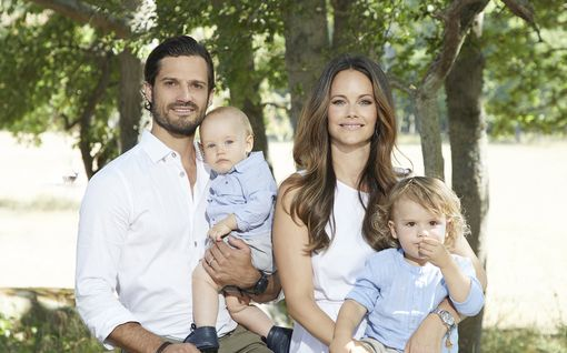 Aikovatko myös Carl Philip ja Sofia jättää Ruotsin? Korona saattaa jarruttaa muuttosuunnitelmia