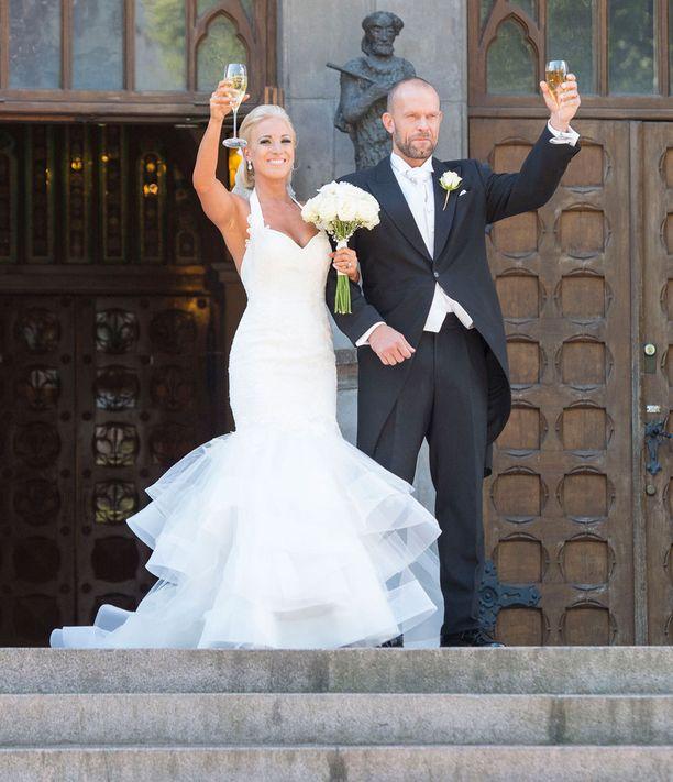 Karalahdet avioituivat kesällä 2015.