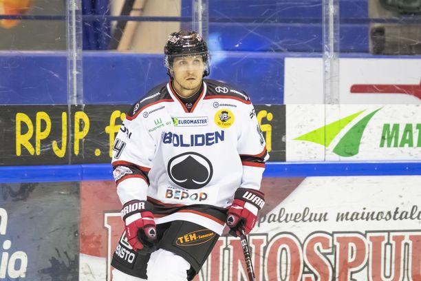 Lauri Tukonen pelaa ensimmäistä kertaa urallaan Ruotsissa.