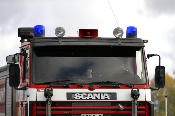 Varkauden paloasemalta lähetetyt pelastustyöntekijät saivat lapsen irrotettua. Kuvituskuva.