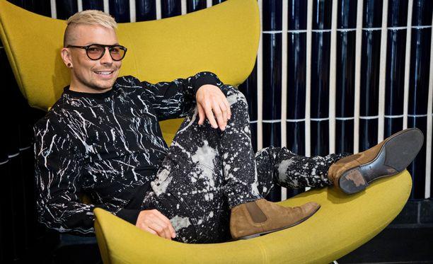 Antti Tuisku julkaisi uuden kappaleen.