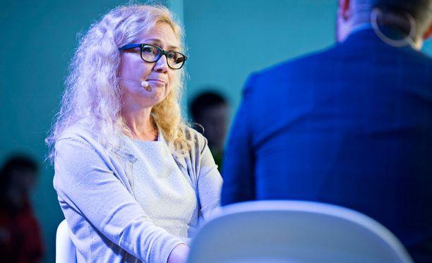 Murhasyytteistä vapautettu Anneli Auer esiintyi ensimmäistä kertaa julkisuudessa keskiviikkona Porissa.
