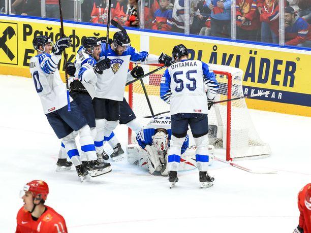 Suomi kaatoi Venäjän sensaatiomaisesti MM-välierässä.