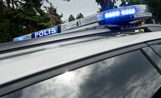 Poliisi on ottanut teosta epäiltynä kiinni kolme henkilöä.