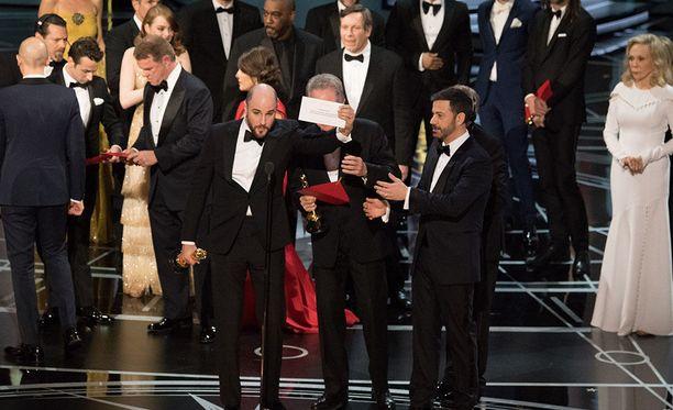 Vuoden 2017 Oscar-gaalassa kävi historiallinen moka, kun kirjekuoret menivät sekaisin.