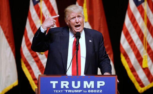 Trump antoi palaa puheessaan tiistaina.