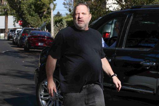 Lukuisat Hollywoodin julkkisnaiset ovat syyttäneet Harvey Weinsteinia seksuaalisesta ahdistelusta.