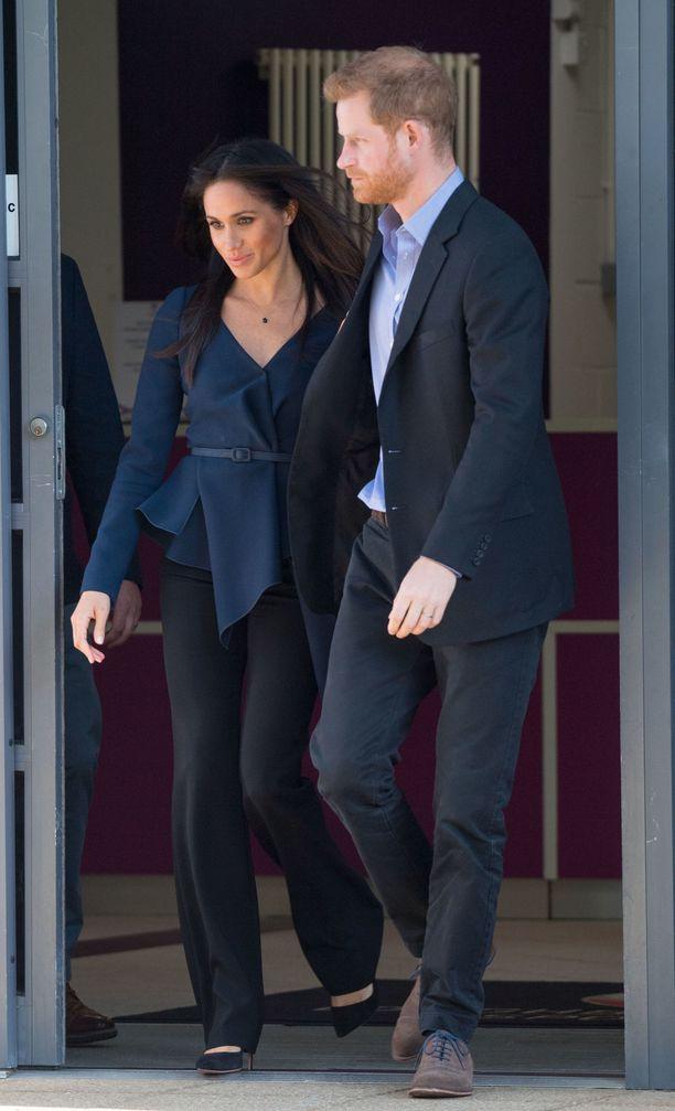 Meghan ja prinssi Harry vaikuttivat läheisiltä tilaisuudessa.