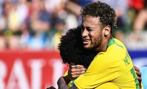 Loukkaantumisesta vähitellen toipunut Neymar on Brasilian suurin tähti torstaina alkavassa jalkapallon MM-turnauksessa.