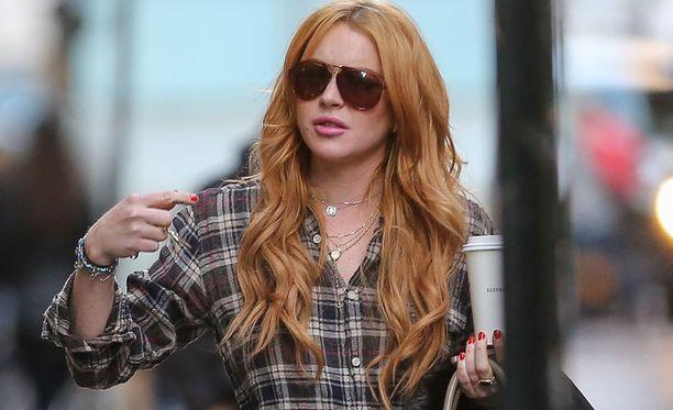 Lindsay Lohanin kerrotaan jupotelleen kolmena iltana yhdeksän päivän sisään.
