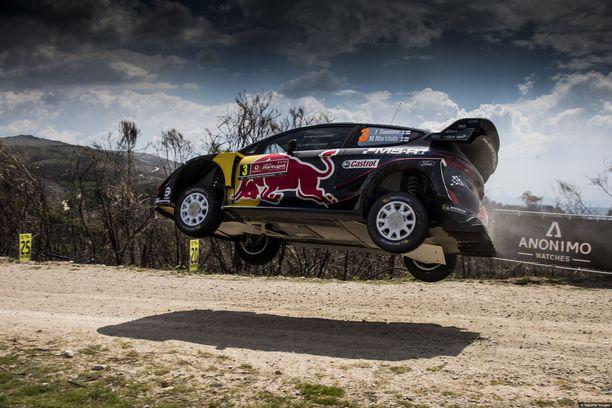 Teemu Suninen loikkasi edellisessä MM-osakilpailussa Portugalin rallissa WRC-Fordilla kolmanneksi.