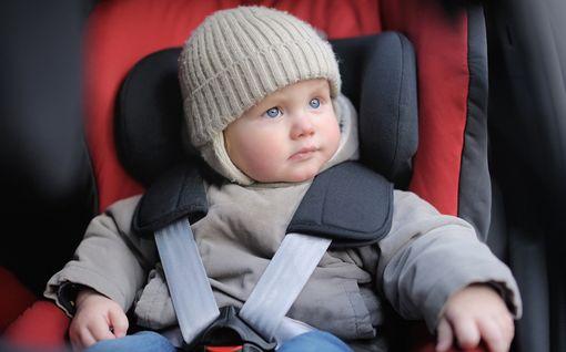 Ei lasta talvivaatteissa turvaistuimeen - törmäystesti osoitti karun tuloksen