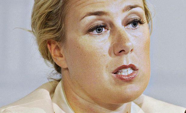 Valtiovarainministeri Jutta Urpilainen kertoi eilen Kreikan vakuuskysymyksen ratkenneen. SDP:n Rovaniemen kokouksessa elettiin sen sijaan unelmissa.