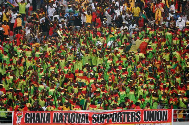 Ghanan jalkapallofanit ovat joutuneet sietämään sopupelejä kotimaan sarjoissa. Kuvituskuva.