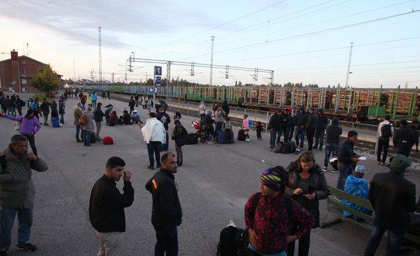 Viime syksynä Kemin rautatieasemalla oli ruuhkaa. Sittemmin katse on kääntynyt itärajalle.