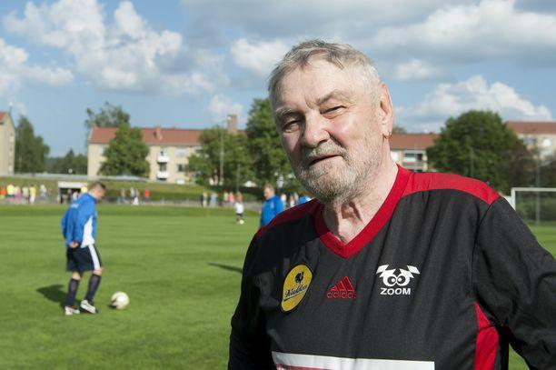 Jukka Virtanen pääsee viimeiseen lepopaikkaansa Jämsänkoskelle. Hänen tuhkansa sirotellaan Yläkoskeen.