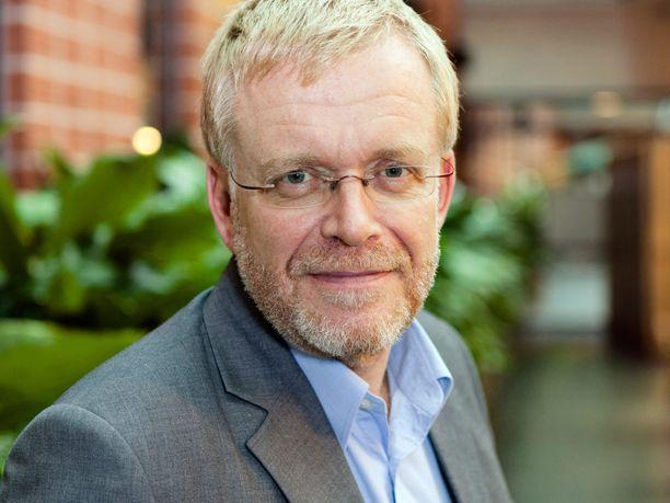Aalto-yliopiston tuotantotalouden professori Paul Lillrankin mukaan koronarajoitustoimilla saadun yhden lisäelinvuoden hinta on vähintään puolesta miljoonasta miljoonaan euroon.