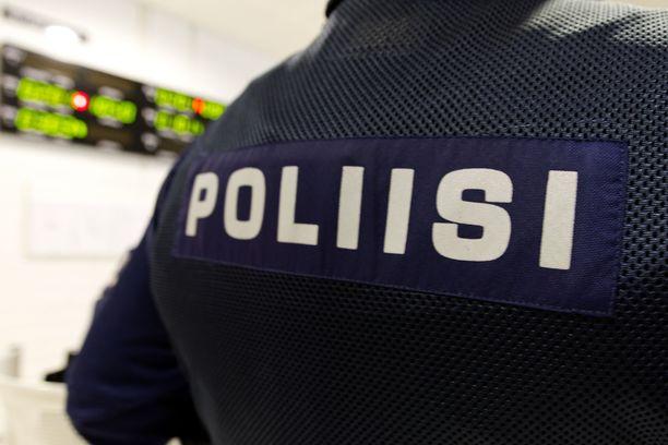 Poliisi etsi kadonnutta poikaa Tampereella. Kuvituskuva.