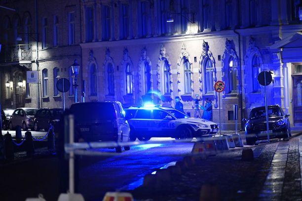 Nadbornikin mukaan uutiset Göteborgin iskun kaltaisista uutisista herättävät luonnollisesti huolta, mutta yleisesti juutalaisyhteisön ilmapiiri on hyvä.