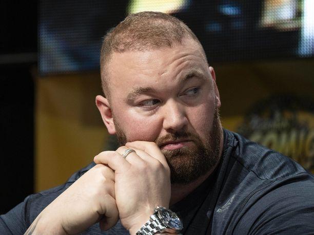 Hafþór Júlíus Björnsson keskittyy nyt nyrkkeilyyn.