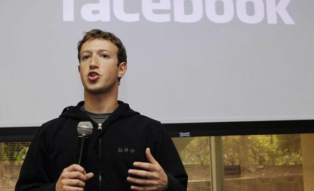 Marck Zuckerberg nettoaa osakeannista sievoiset summat.