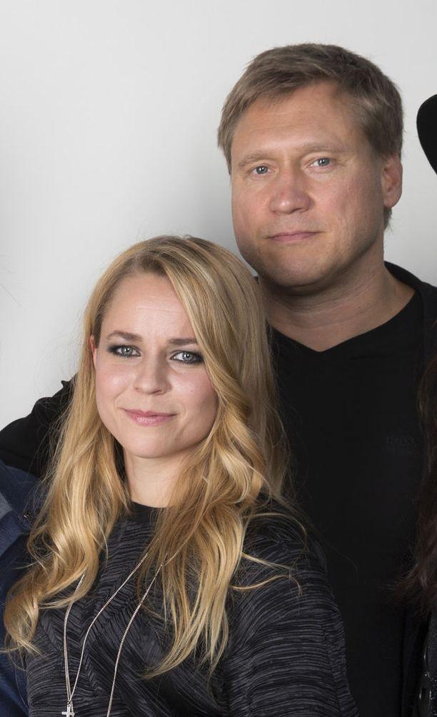 Laulajat tähdittivät Vain elämää -ohjelmaa vuonna 2014.